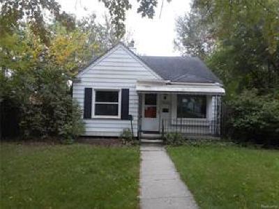 Royal Oak Single Family Home For Sale: 2224 Guthrie Avenue