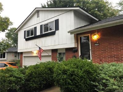 Livonia Single Family Home For Sale: 16543 Riverside Street