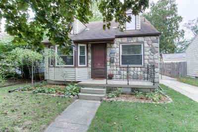 ROYAL OAK Single Family Home For Sale: 2717 Rochester Road