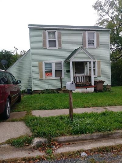 Pontiac Single Family Home For Sale: 101 N Merrimac Street