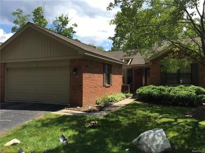 West Bloomfield, West Bloomfield Twp Condo/Townhouse For Sale: 7137 Nottingham Court