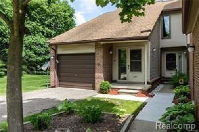 West Bloomfield, West Bloomfield Twp Condo/Townhouse For Sale: 6620 Ridgefield Circle #88