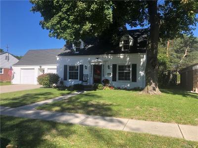 Royal Oak Single Family Home For Sale: 4302 Sheridan Drive