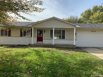 Grand Blanc Single Family Home For Sale: 5418 Mancelona Drive