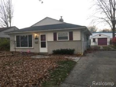 Madison Heights MI Single Family Home For Sale: $154,900