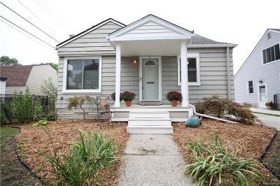 Royal Oak Single Family Home For Sale: 316 S Edgeworth Avenue