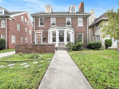 Detroit Single Family Home For Sale: 2474 W Boston Boulevard