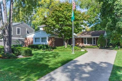 Birmingham MI Single Family Home For Sale: $550,000