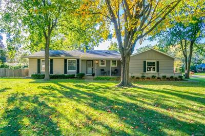 Farmington Hills Single Family Home For Sale: 31679 N Marklawn Street