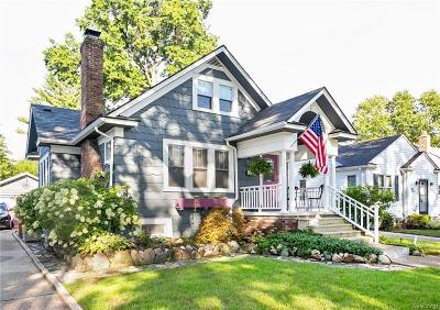 Sterling Heights, Washington, Washington Twp, Bloomfield Hills, Bloomfield Twp, Novi, Royal Oak, Royal Oak Twp Single Family Home For Sale: 720 S Gainsborough Avenue