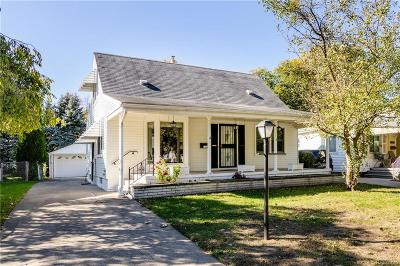 Royal Oak, Ferndale, Clawson, Berkley, Pleasant Ridge Single Family Home For Sale: 811 N Vermont Avenue