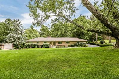 Bloomfield Twp Single Family Home For Sale: 7141 Fairhill Road