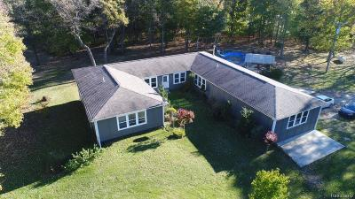 Lapeer County Single Family Home For Sale
