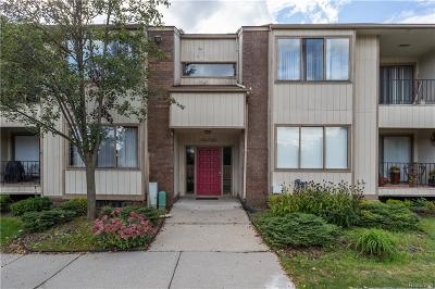West Bloomfield Twp Condo/Townhouse For Sale: 7412 Vassar