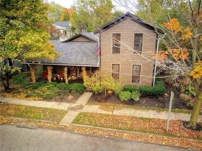 City Of The Vlg Of Clarkston, Clarkston, Independence Twp Single Family Home For Sale: 11 Buffalo Street