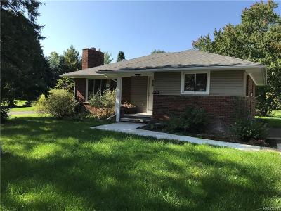 Troy Single Family Home For Sale: 6273 S Rochester Road