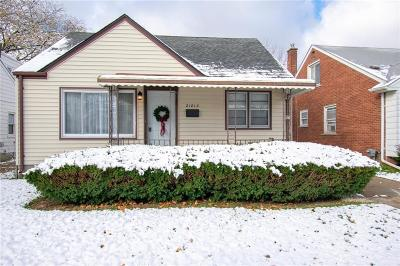 Eastpointe Single Family Home For Sale: 21813 Rausch Avenue