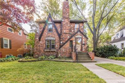 Ferndale Single Family Home For Sale: 371 W Maplehurst Street