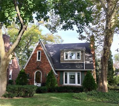 Royal Oak Single Family Home For Sale: 1606 W Houstonia Avenue