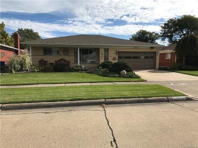 Warren Single Family Home For Sale: 29310 Ridgefield Avenue