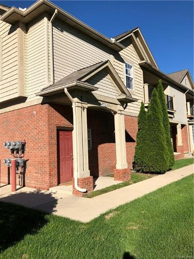 Shelby Twp Condo/Townhouse For Sale: 5702 Norway Spruce Drive