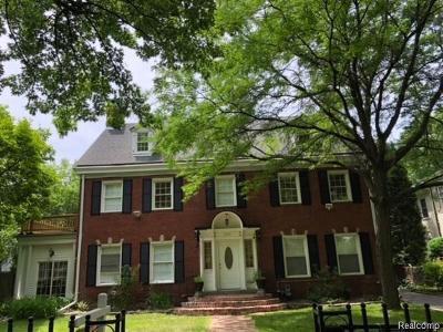 Detroit Single Family Home For Sale: 2415 Burns Street