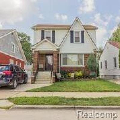 Oakland County, Macomb County, Wayne County Single Family Home For Sale: 4807 Chovin Street