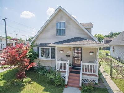 Wayne County, Oakland County, Macomb County Single Family Home For Sale: 3976 Yemans Street