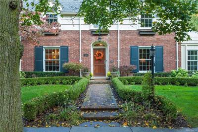 Bloomfield Twp Single Family Home For Sale: 390 Waddington Street