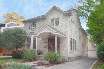 Macomb County, Oakland County Single Family Home For Sale: 573 Smith Avenue
