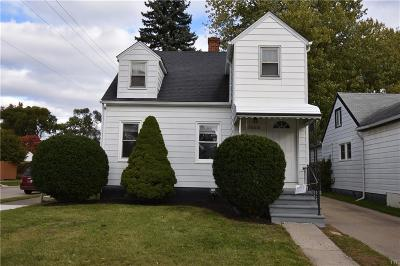 Madison Heights MI Single Family Home For Sale: $123,500