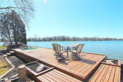 Keego Harbor, Sylvan Lake Single Family Home For Sale: 949 James K Boulevard