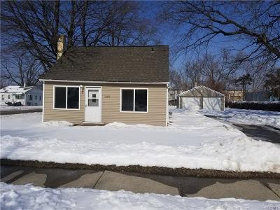 Warren Single Family Home For Sale: 11375 Republic Avenue