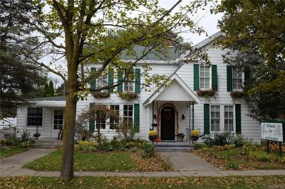 City Of The Vlg Of Clarkston Single Family Home For Sale: 155 N Main Street