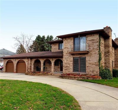 Clinton Twp Single Family Home For Sale: 38945 Santa Barbara Street