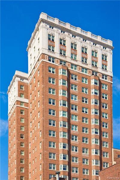 Detroit Condo/Townhouse For Sale: 525 W Lafayette Boulevard #21B