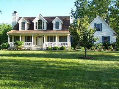 Brandon Twp Single Family Home For Sale: 330 Sleepy Hollow