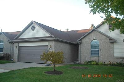 Commerce Twp Condo/Townhouse For Sale: 2131 Pleasant Drive #57