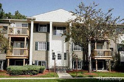 Utica Condo/Townhouse For Sale: 45250 Keding Street #302