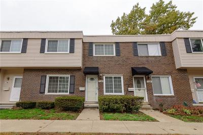 Belleville Condo/Townhouse For Sale: 708 Estrada Drive