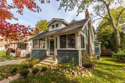 Royal Oak Single Family Home For Sale: 1036 N Maple Avenue
