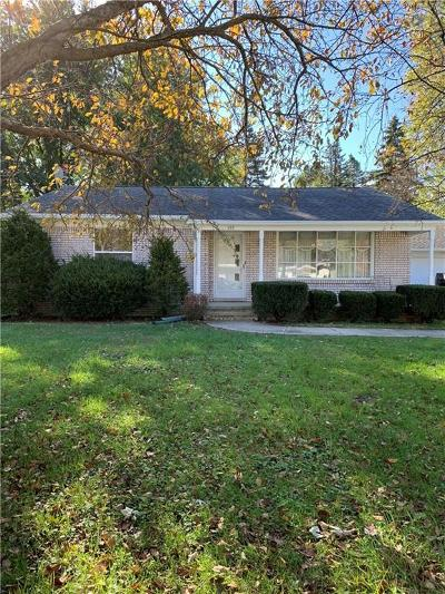 Holly Twp, Holly Vlg, Holly Single Family Home Contingent - Continue To Show: 153 Bevins Drive