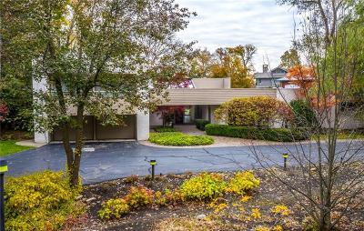 Bloomfield Twp Single Family Home For Sale: 3897 Lakeland Lane