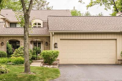 Bloomfield Twp Condo/Townhouse For Sale: 1125 Meadowglen Court