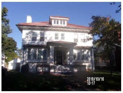 Detroit Single Family Home For Sale: 230 Cedarhurst Pl