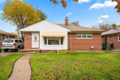 Oak Park Single Family Home For Sale: 23860 Condon Street