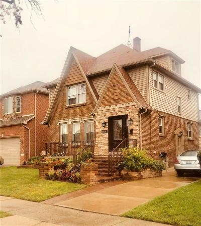 Dearborn Single Family Home For Sale: 5034 Maple Street