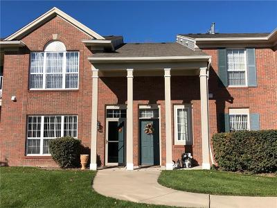 Commerce Twp Condo/Townhouse For Sale: 15202 Chesapeake Circle
