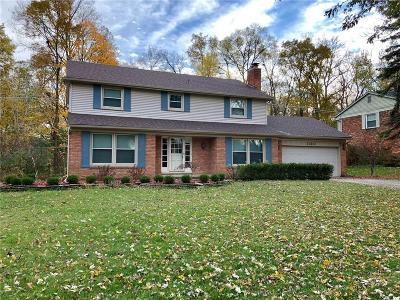 Farmington Hills Single Family Home For Sale: 35687 Johnstown Road