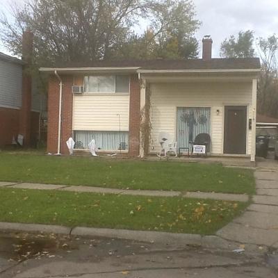 Westland Single Family Home For Sale: 30518 Grandview Avenue